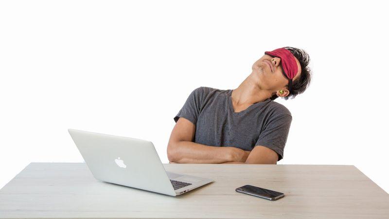 昼寝の効果で午後からの作業効率を上げる