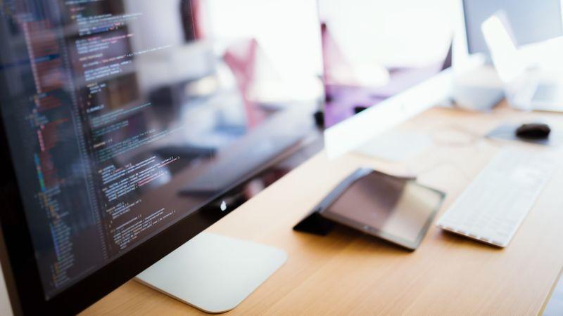 ウェブ業界で生き残るにはプログラムが必須