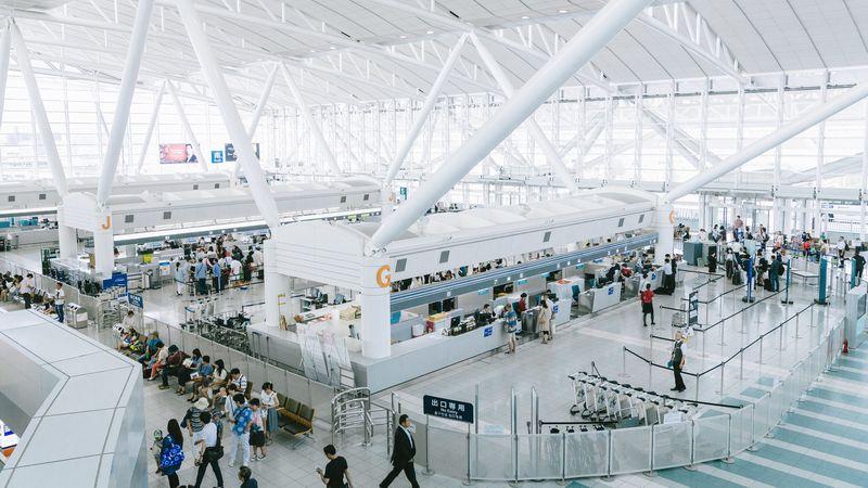 空港のラウンジを利用するならプライオリティパスがお得
