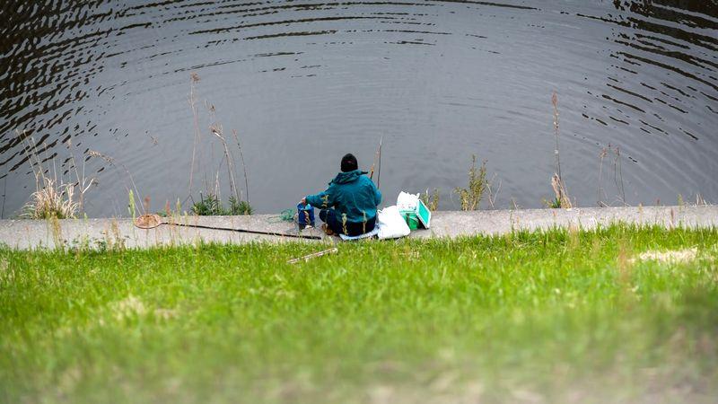 暑い夏に釣りを楽しむメリットとは?